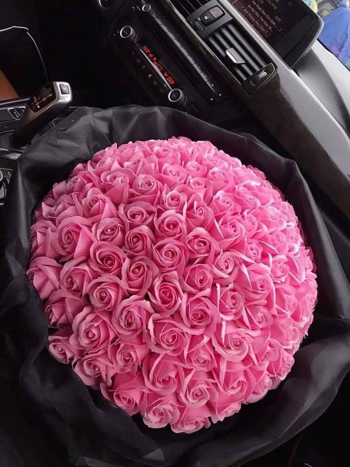 Hoa sáp hồng 99 bông